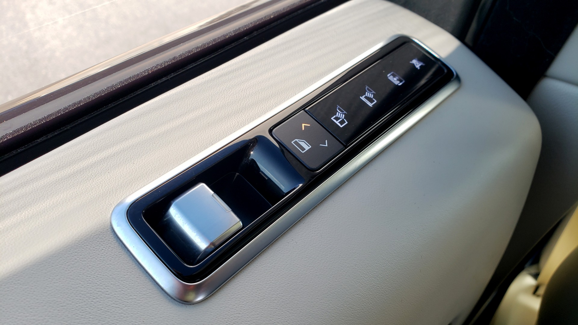 Used 2020 Land Rover RANGE ROVER AUTOBIOGRAPHY HYBRID / NAV / SUNROOF / REARVIEW for sale $110,000 at Formula Imports in Charlotte NC 28227 74