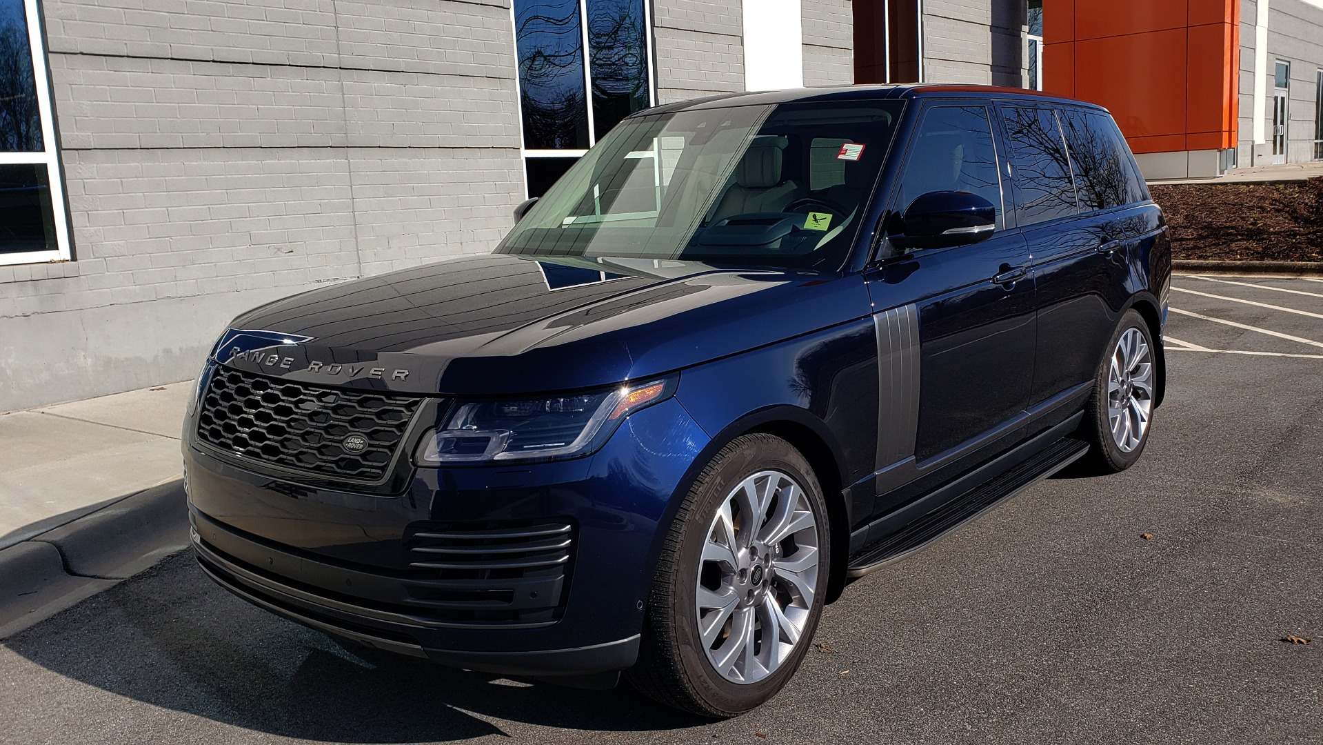 Used 2020 Land Rover RANGE ROVER AUTOBIOGRAPHY HYBRID / NAV / SUNROOF / REARVIEW for sale $110,000 at Formula Imports in Charlotte NC 28227 1