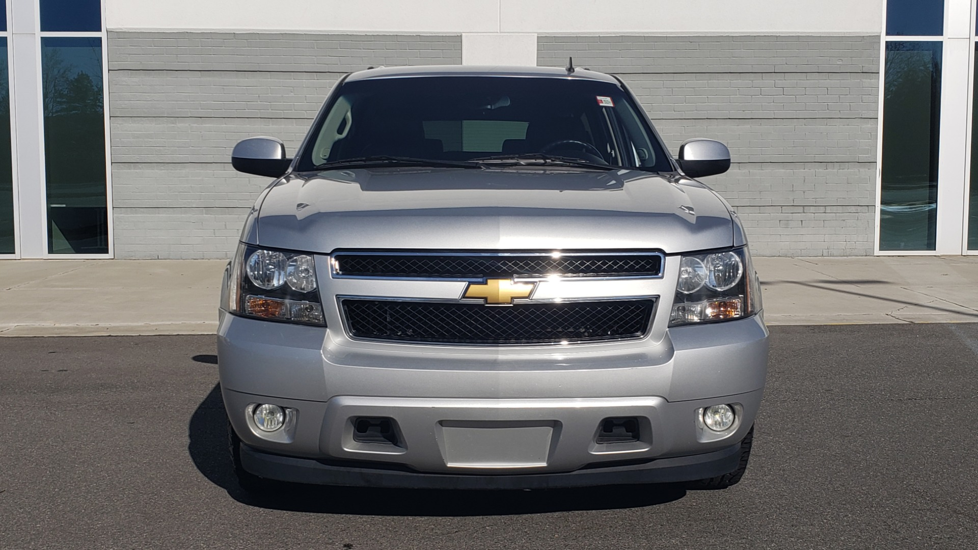 Used 2013 Chevrolet SUBURBAN LT / 2WD / 5.3L V8 / 6-SPD AUTO / LEATHER 3-ROW SEATS for sale Sold at Formula Imports in Charlotte NC 28227 23