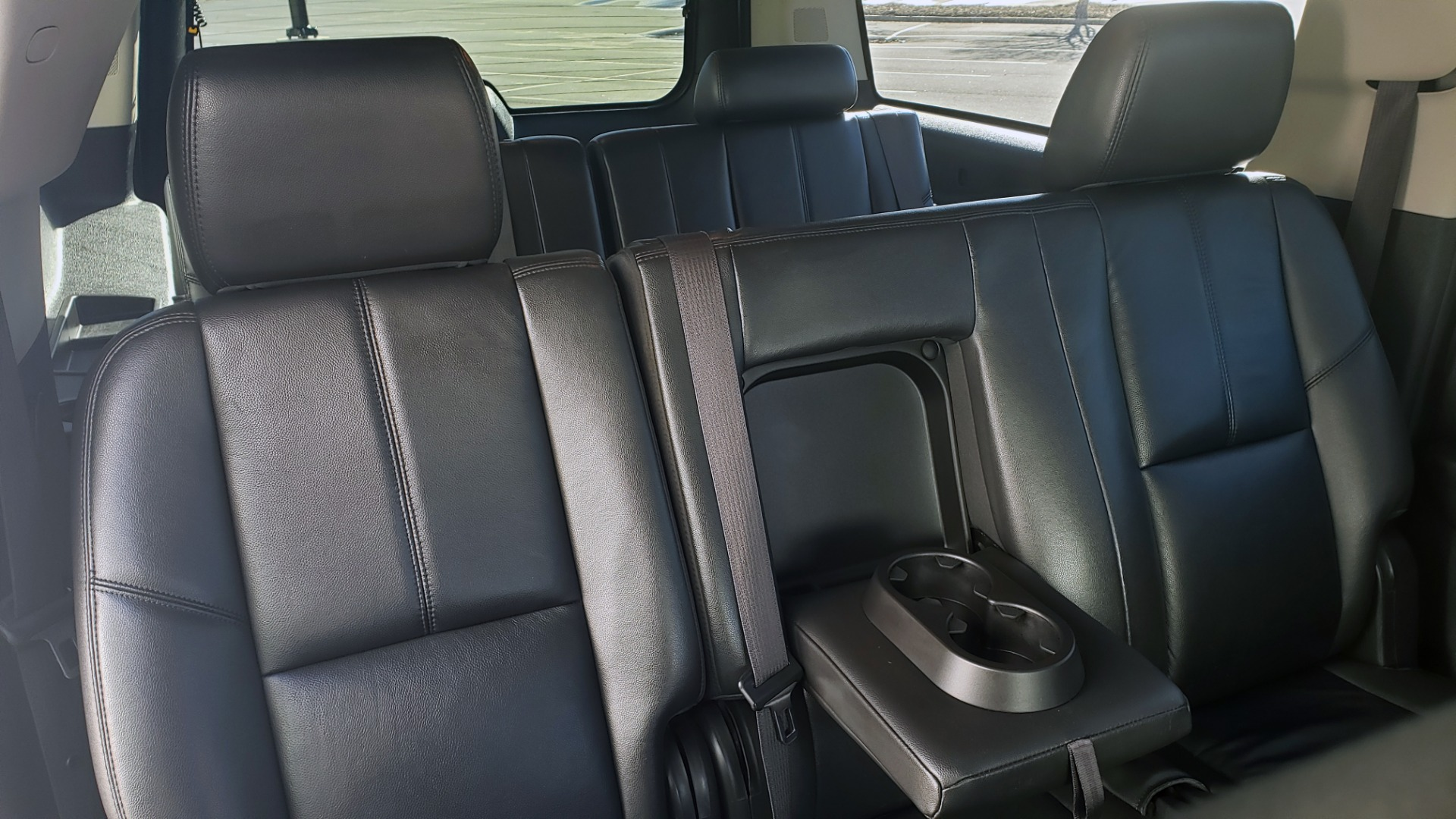 Used 2013 Chevrolet SUBURBAN LT / 2WD / 5.3L V8 / 6-SPD AUTO / LEATHER 3-ROW SEATS for sale Sold at Formula Imports in Charlotte NC 28227 67