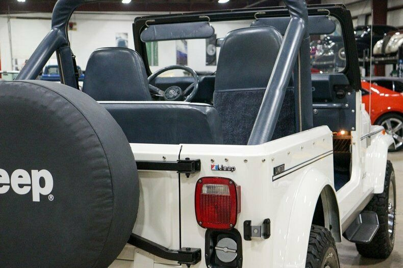 Used 1982 Jeep CJ7 LIMITED 4WD / 4.2L I6 / 5-SPEED MANUAL / NEW 30-INCH BFG TIRES for sale Sold at Formula Imports in Charlotte NC 28227 38