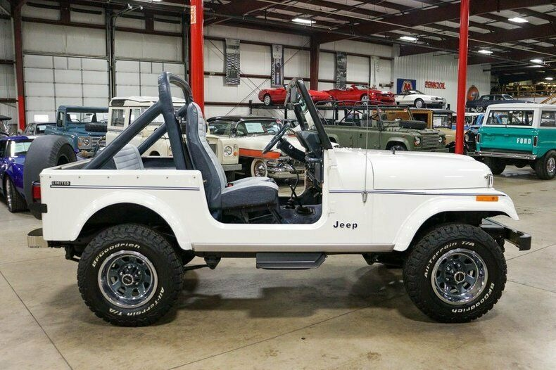 Used 1982 Jeep CJ7 LIMITED 4WD / 4.2L I6 / 5-SPEED MANUAL / NEW 30-INCH BFG TIRES for sale Sold at Formula Imports in Charlotte NC 28227 6