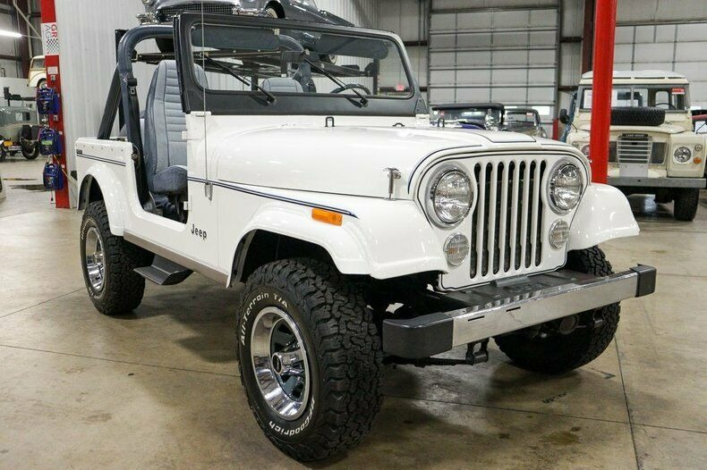 Used 1982 Jeep CJ7 LIMITED 4WD / 4.2L I6 / 5-SPEED MANUAL / NEW 30-INCH BFG TIRES for sale Sold at Formula Imports in Charlotte NC 28227 7
