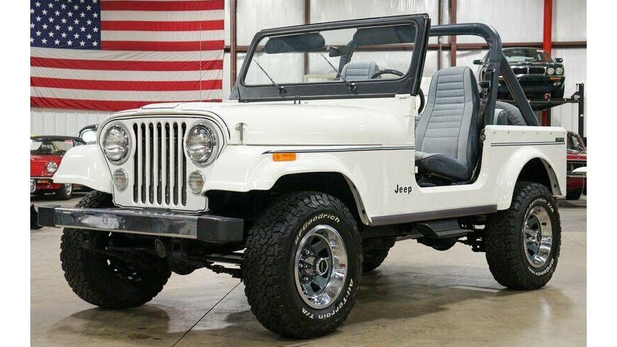 Used 1982 Jeep CJ7 LIMITED 4WD / 4.2L I6 / 5-SPEED MANUAL / NEW 30-INCH BFG TIRES for sale Sold at Formula Imports in Charlotte NC 28227 1
