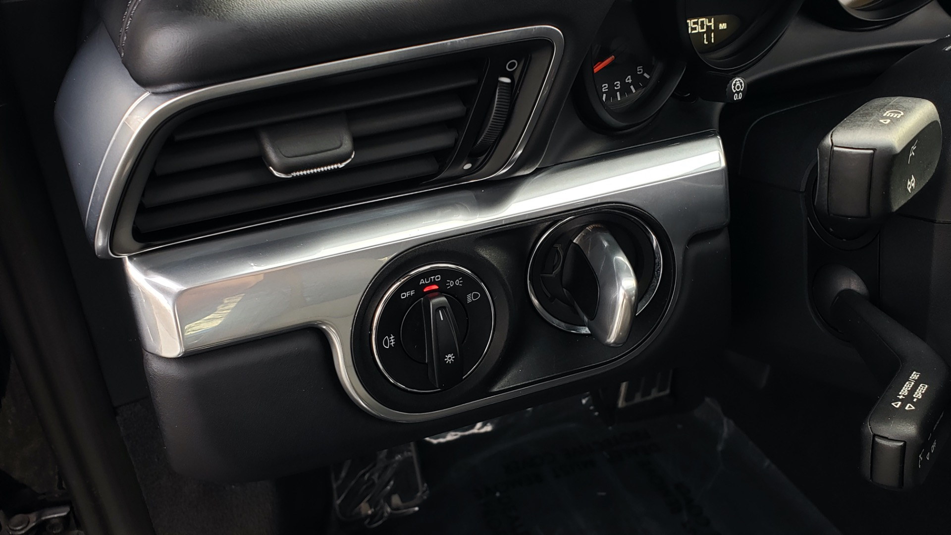 Used 2014 Porsche 911 CARRERA 4S / PREM PKG PLUS / NAV / SUNROO / BOSE / CHRONO for sale Sold at Formula Imports in Charlotte NC 28227 39