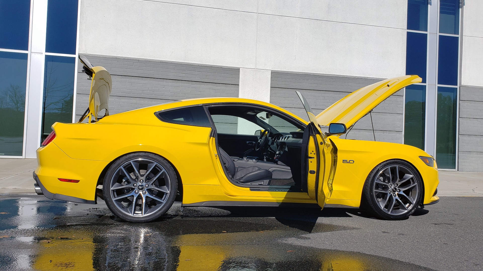 Used 2015 Ford MUSTANG GT 5.0L COUPE PREMIUM / 6-SPD MAN / SHAKER AUDIO / NAV for sale Sold at Formula Imports in Charlotte NC 28227 7