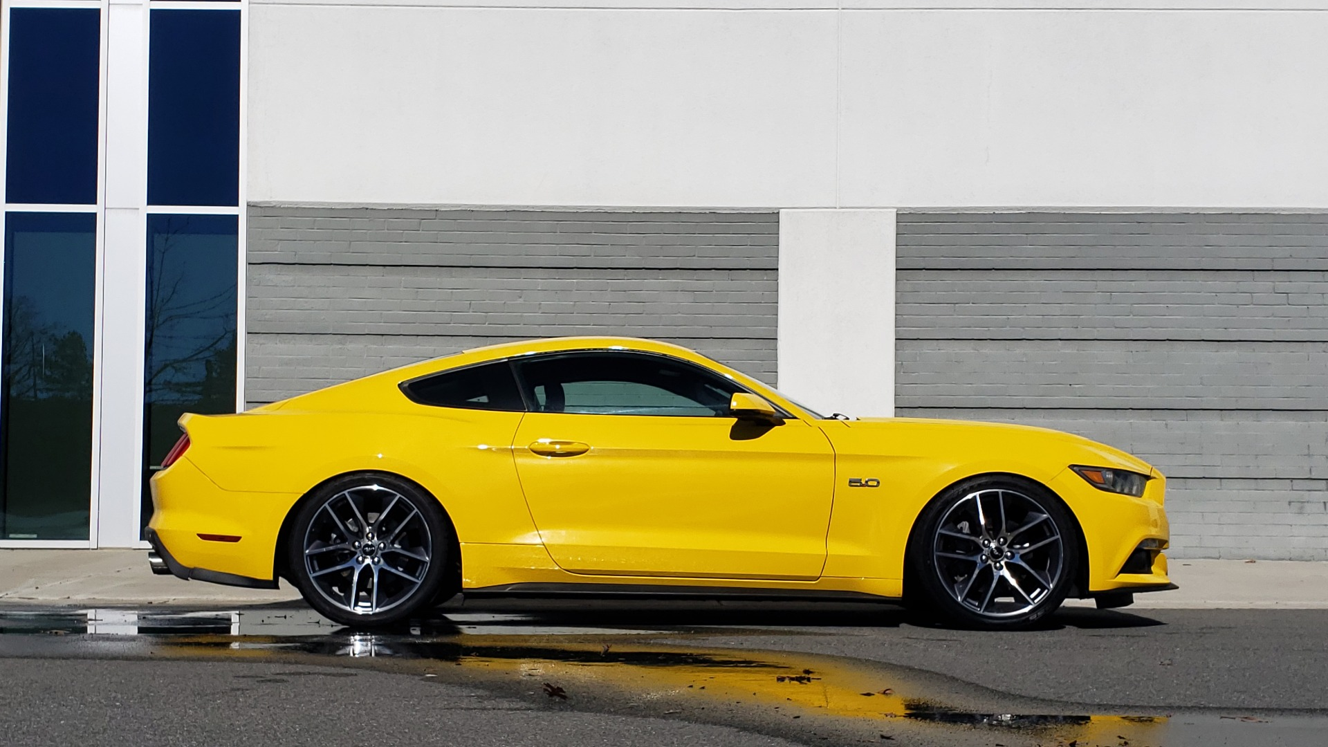 Used 2015 Ford MUSTANG GT 5.0L COUPE PREMIUM / 6-SPD MAN / SHAKER AUDIO / NAV for sale Sold at Formula Imports in Charlotte NC 28227 8