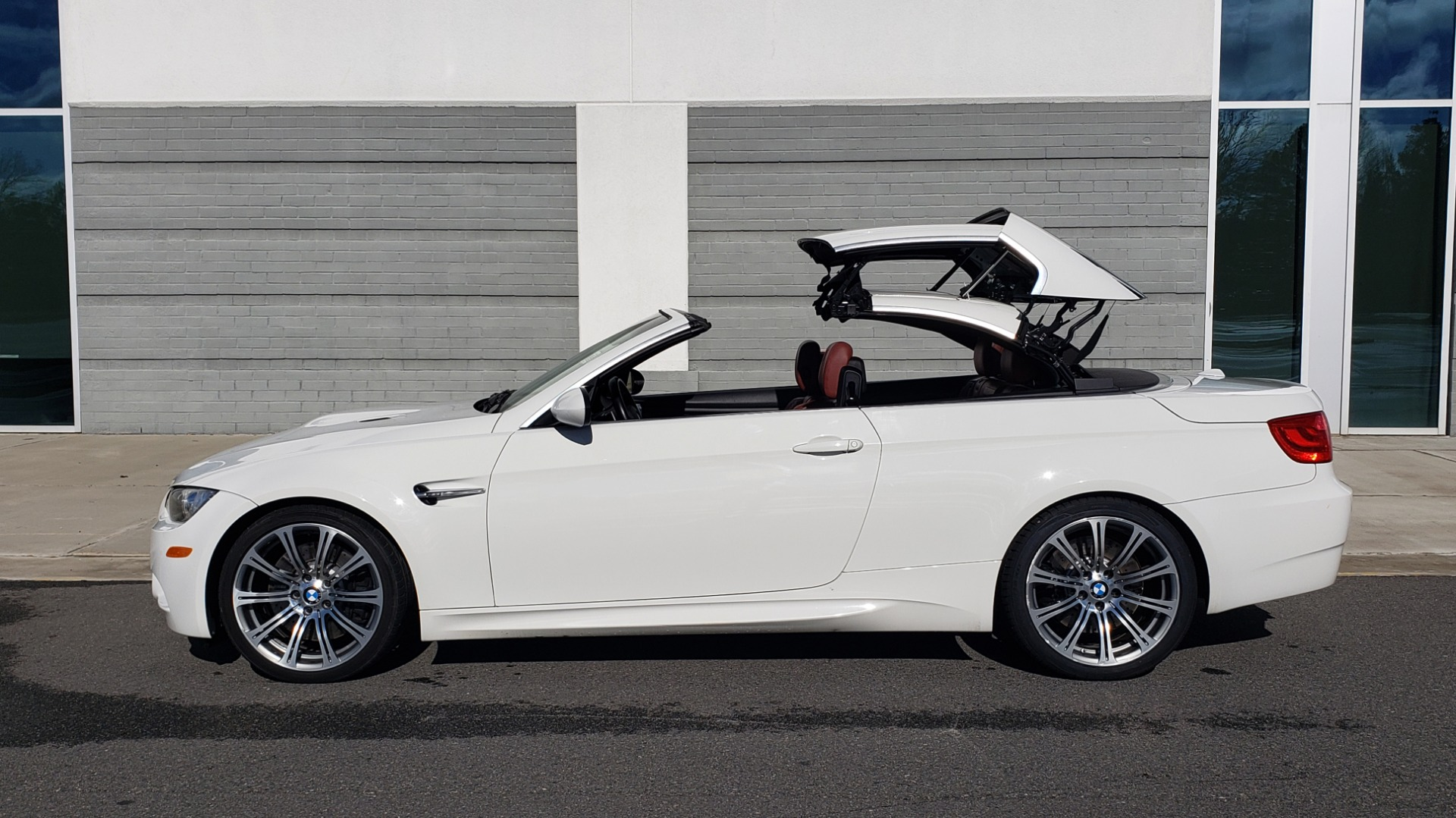 Used 2012 BMW M3 CONVERTIBLE / PREM PKG / NAV / M-DOUBLE CLUTCH AUTOMATIC for sale Sold at Formula Imports in Charlotte NC 28227 11