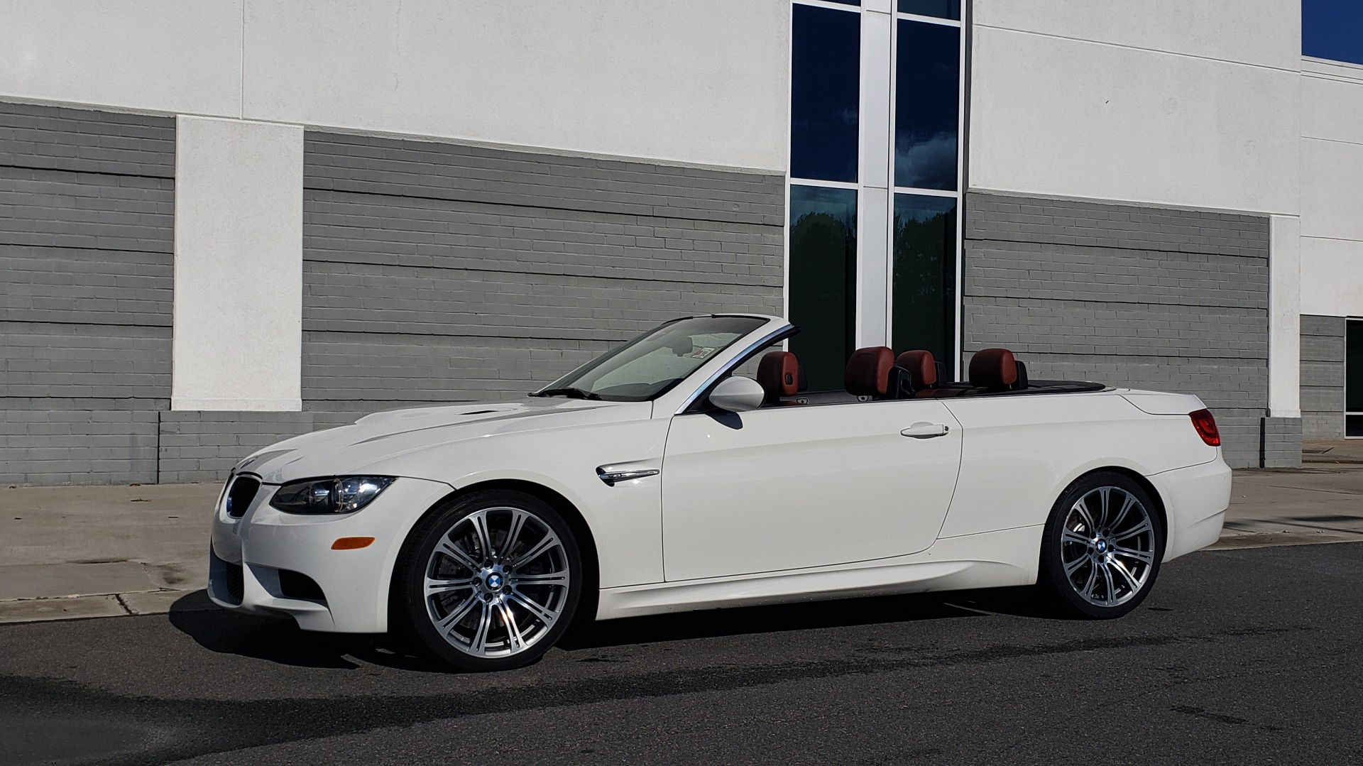 Used 2012 BMW M3 CONVERTIBLE / PREM PKG / NAV / M-DOUBLE CLUTCH AUTOMATIC for sale Sold at Formula Imports in Charlotte NC 28227 15
