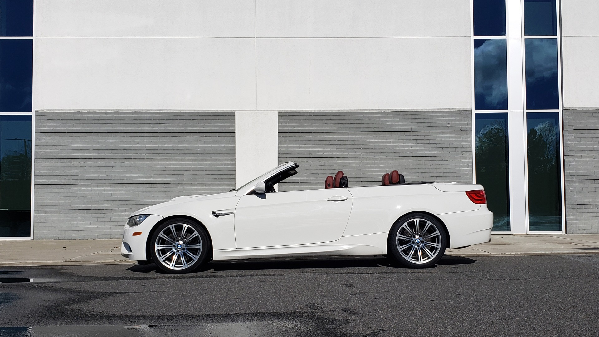 Used 2012 BMW M3 CONVERTIBLE / PREM PKG / NAV / M-DOUBLE CLUTCH AUTOMATIC for sale Sold at Formula Imports in Charlotte NC 28227 16