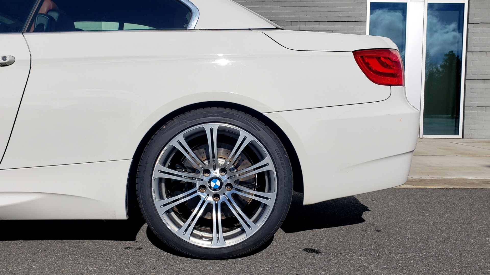 Used 2012 BMW M3 CONVERTIBLE / PREM PKG / NAV / M-DOUBLE CLUTCH AUTOMATIC for sale Sold at Formula Imports in Charlotte NC 28227 76