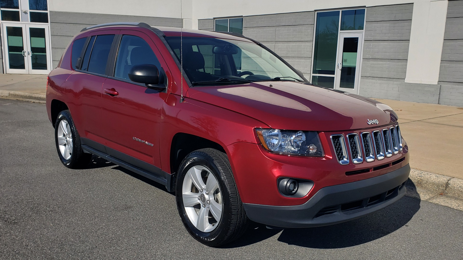 Used 2016 Jeep COMPASS SPORT 4X4 / 2.4L I4 / 6-SPD AUTO / 26MPG / CLEAN for sale Sold at Formula Imports in Charlotte NC 28227 2