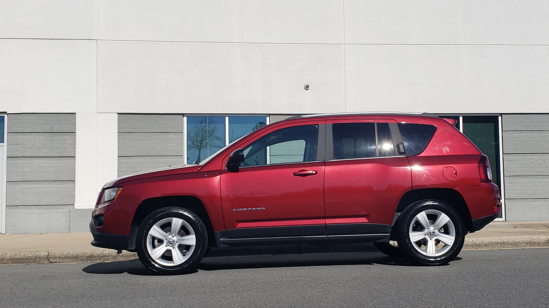 Used 2016 Jeep COMPASS SPORT 4X4 / 2.4L I4 / 6-SPD AUTO / 26MPG / CLEAN for sale Sold at Formula Imports in Charlotte NC 28227 6