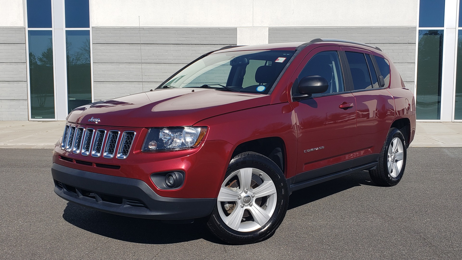 Used 2016 Jeep COMPASS SPORT 4X4 / 2.4L I4 / 6-SPD AUTO / 26MPG / CLEAN for sale Sold at Formula Imports in Charlotte NC 28227 1