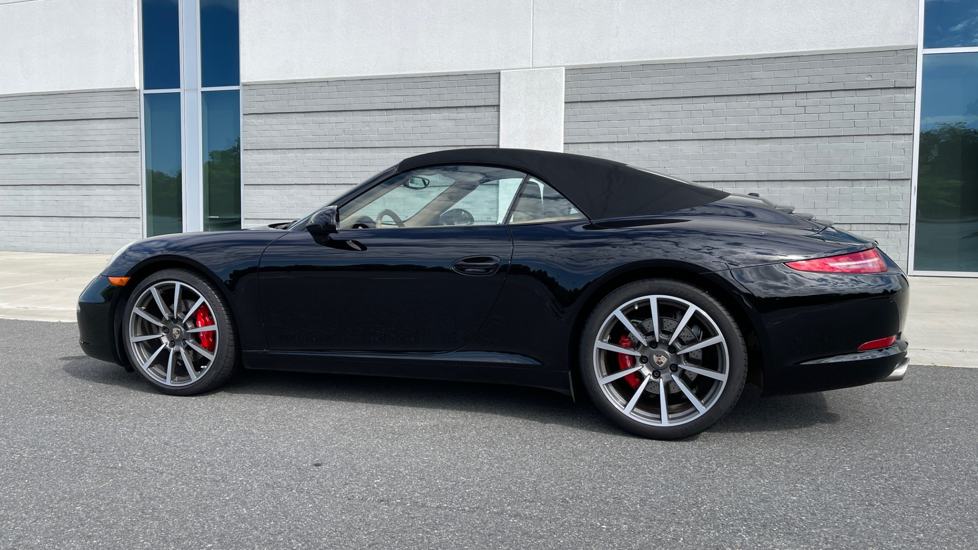 Used 2013 Porsche 911 CARRERA CABRIOLET / PDK / NAV / BOSE / HTD STS / PDLS for sale Sold at Formula Imports in Charlotte NC 28227 6