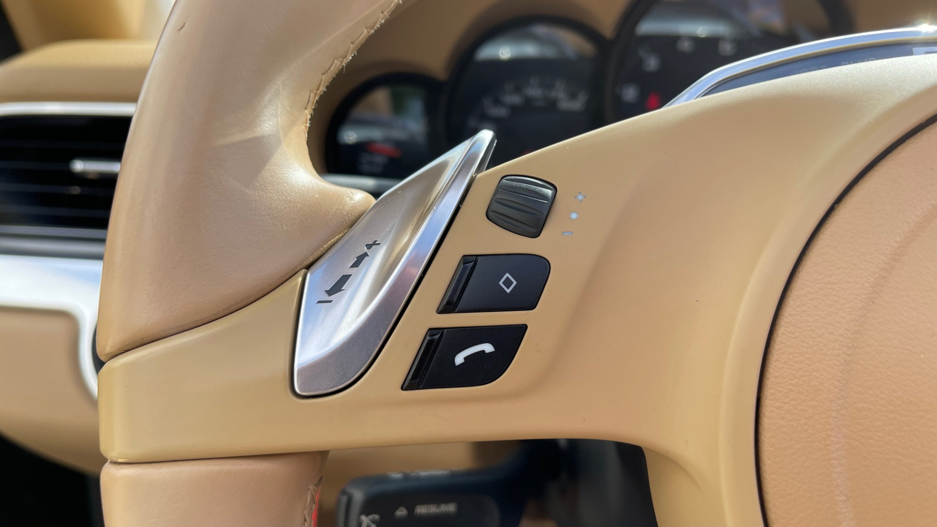Used 2013 Porsche 911 CARRERA CABRIOLET / PDK / NAV / BOSE / HTD STS / PDLS for sale Sold at Formula Imports in Charlotte NC 28227 62
