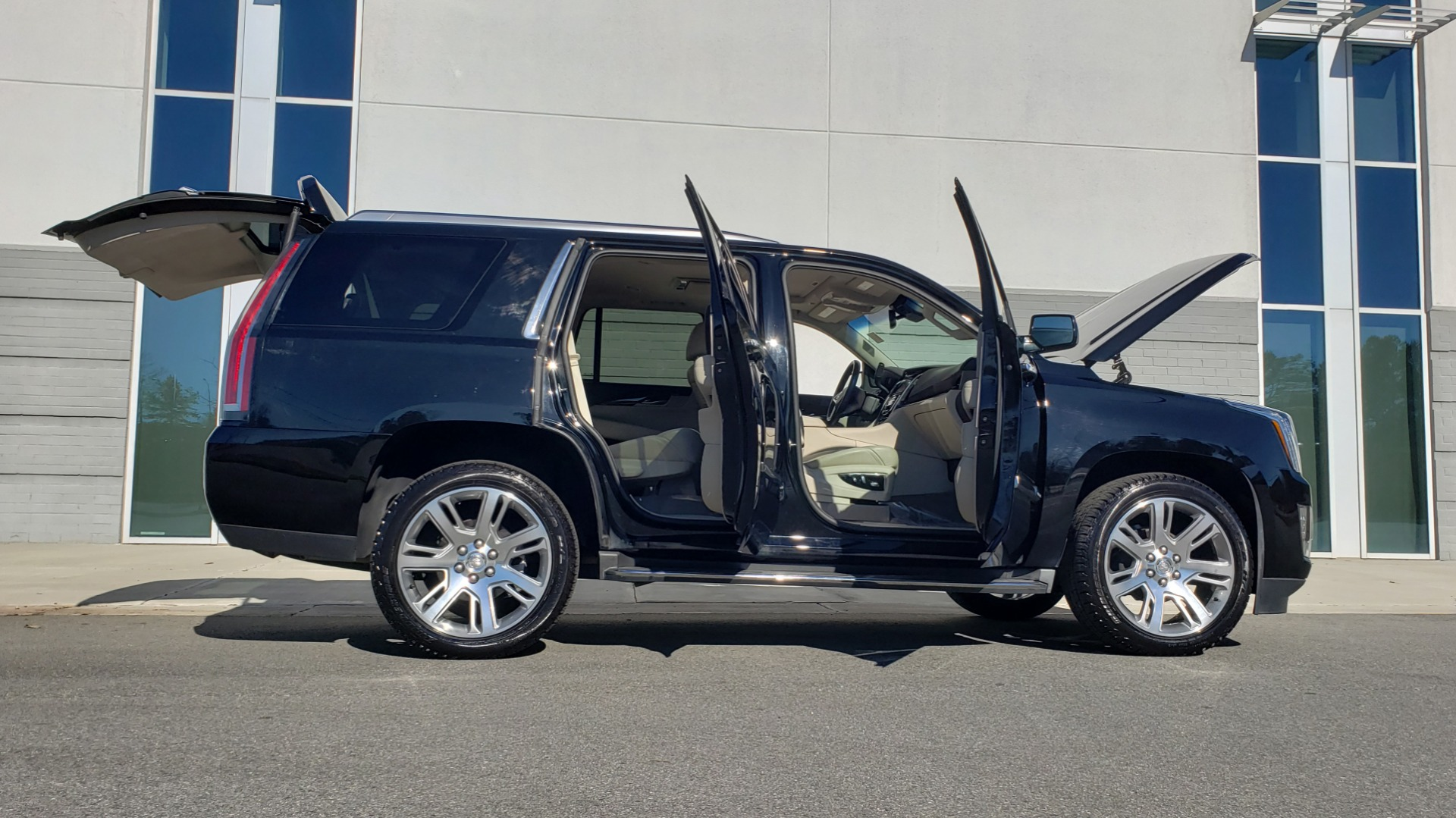 Used 2015 Cadillac ESCALADE PREMIUM 4WD / NAV / SUNROOF / REARVIEW / 3-ROW for sale Sold at Formula Imports in Charlotte NC 28227 12