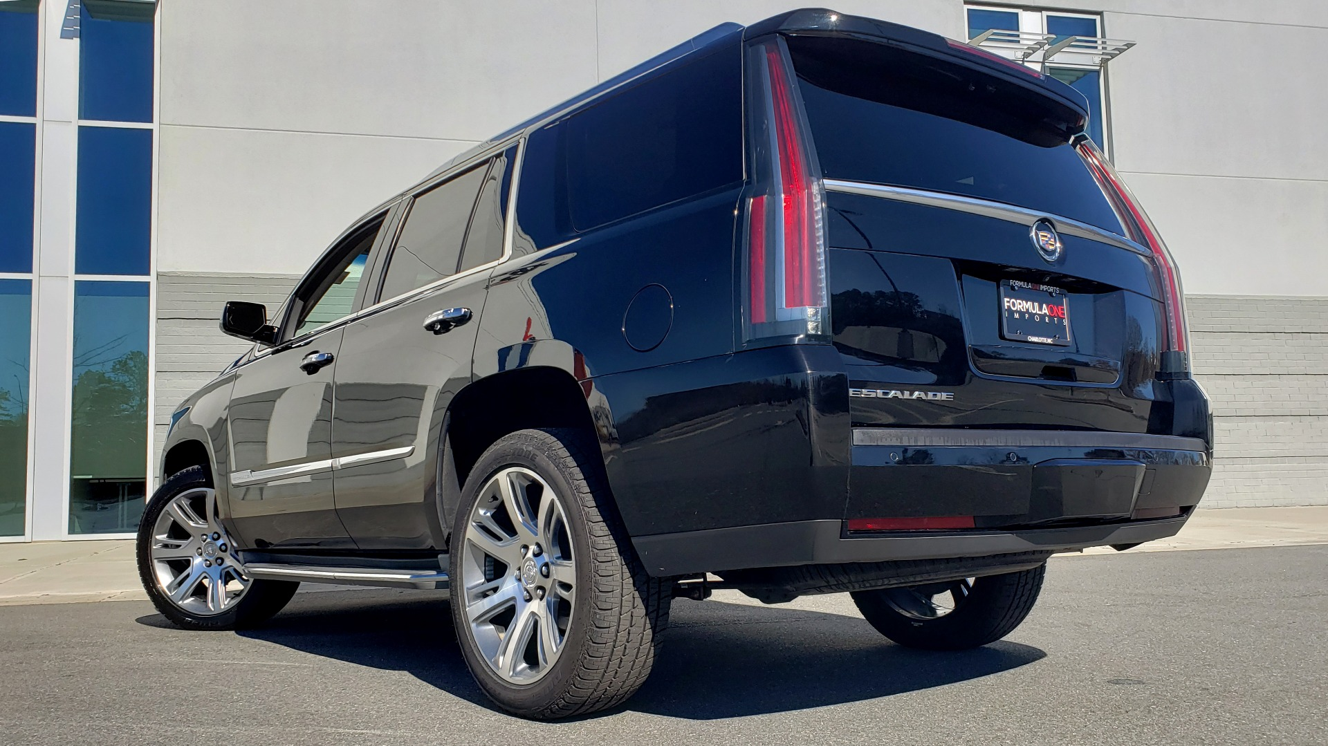 Used 2015 Cadillac ESCALADE PREMIUM 4WD / NAV / SUNROOF / REARVIEW / 3-ROW for sale Sold at Formula Imports in Charlotte NC 28227 2