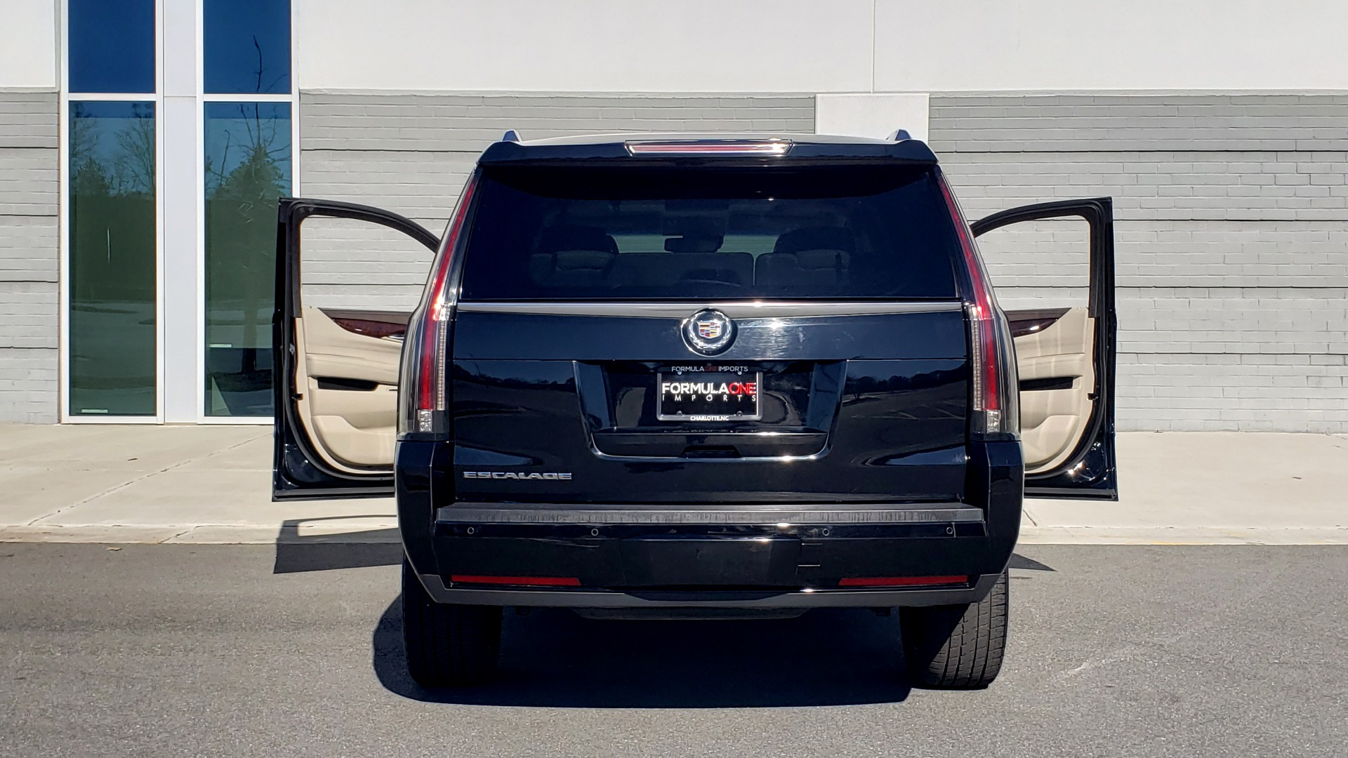 Used 2015 Cadillac ESCALADE PREMIUM 4WD / NAV / SUNROOF / REARVIEW / 3-ROW for sale Sold at Formula Imports in Charlotte NC 28227 28