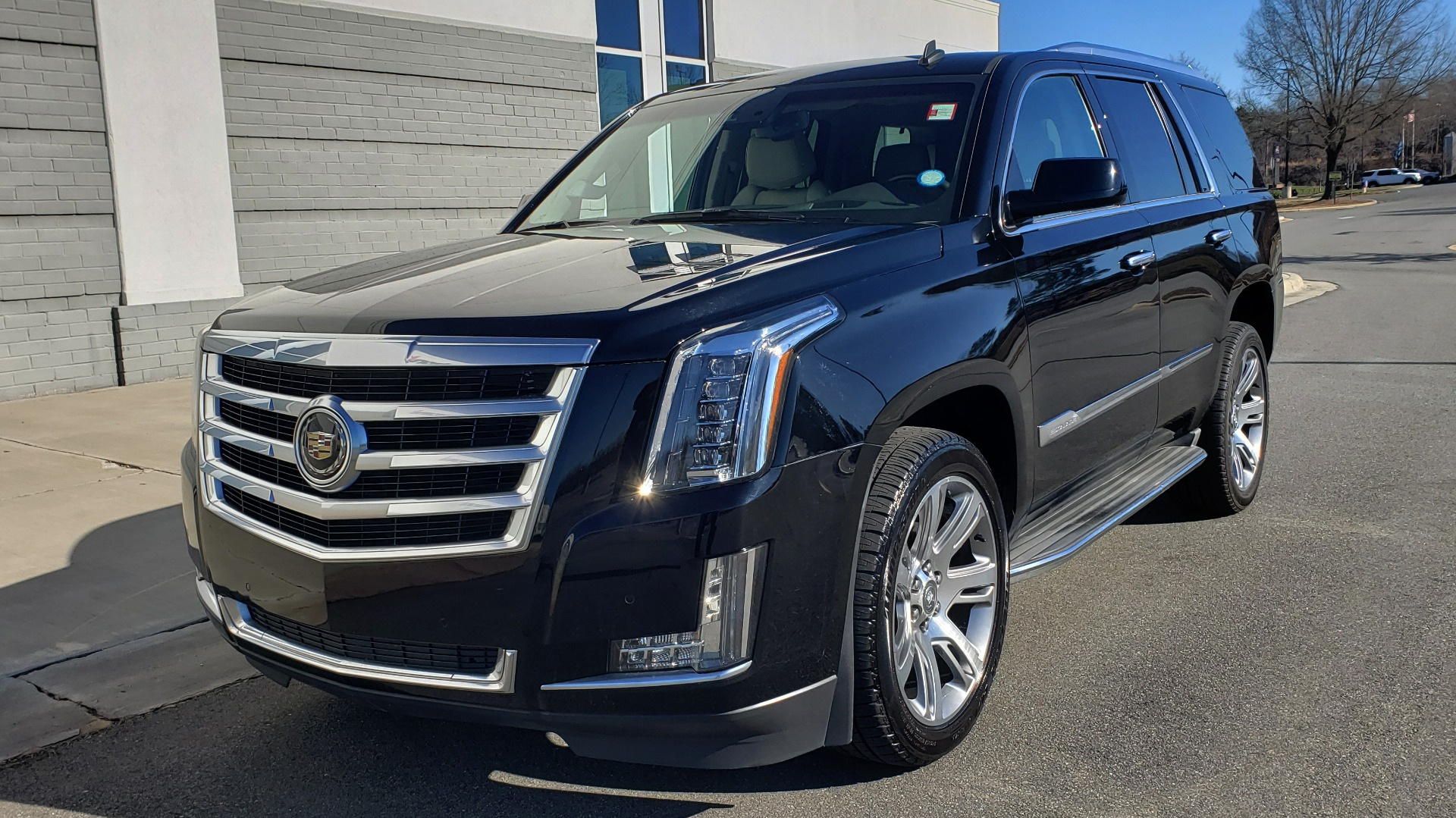 Used 2015 Cadillac ESCALADE PREMIUM 4WD / NAV / SUNROOF / REARVIEW / 3-ROW for sale Sold at Formula Imports in Charlotte NC 28227 3
