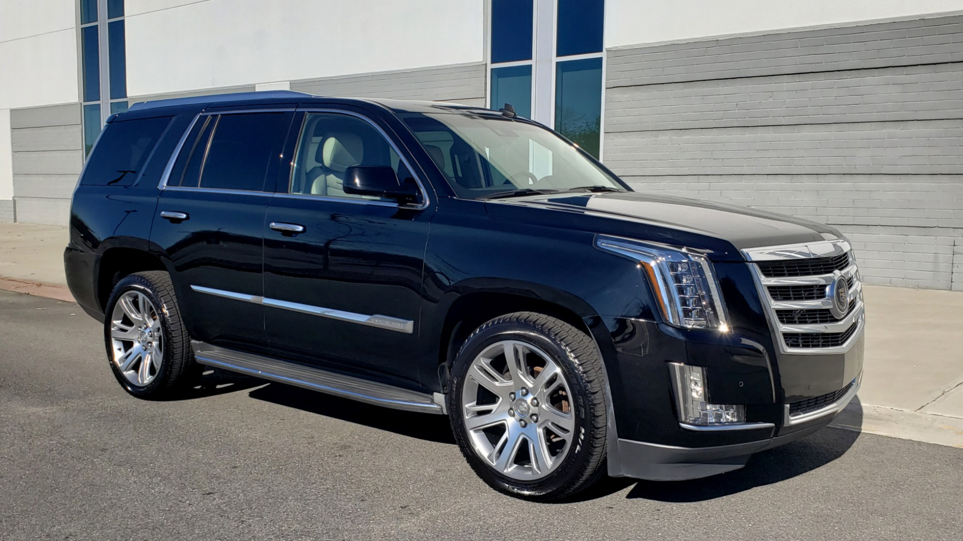 Used 2015 Cadillac ESCALADE PREMIUM 4WD / NAV / SUNROOF / REARVIEW / 3-ROW for sale Sold at Formula Imports in Charlotte NC 28227 6