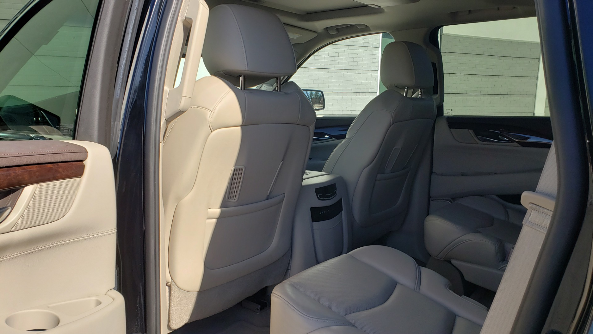 Used 2015 Cadillac ESCALADE PREMIUM 4WD / NAV / SUNROOF / REARVIEW / 3-ROW for sale Sold at Formula Imports in Charlotte NC 28227 66