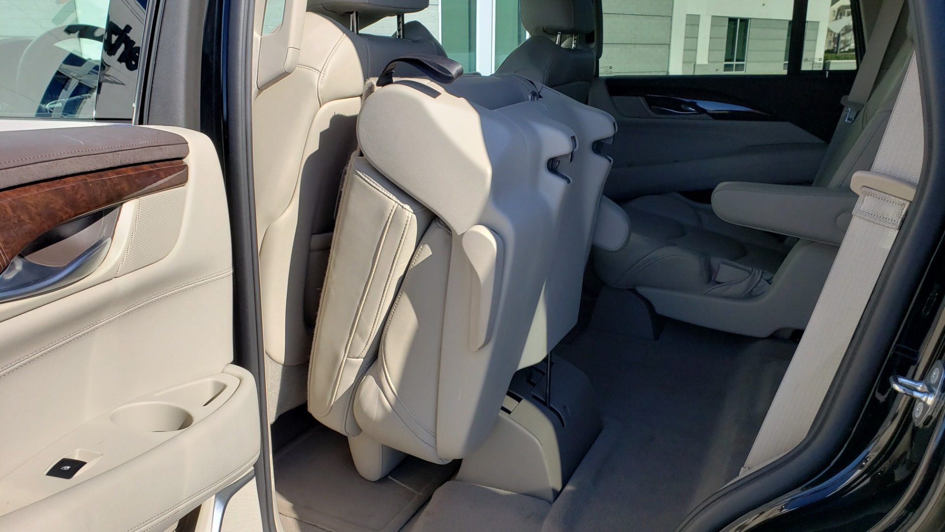 Used 2015 Cadillac ESCALADE PREMIUM 4WD / NAV / SUNROOF / REARVIEW / 3-ROW for sale Sold at Formula Imports in Charlotte NC 28227 68
