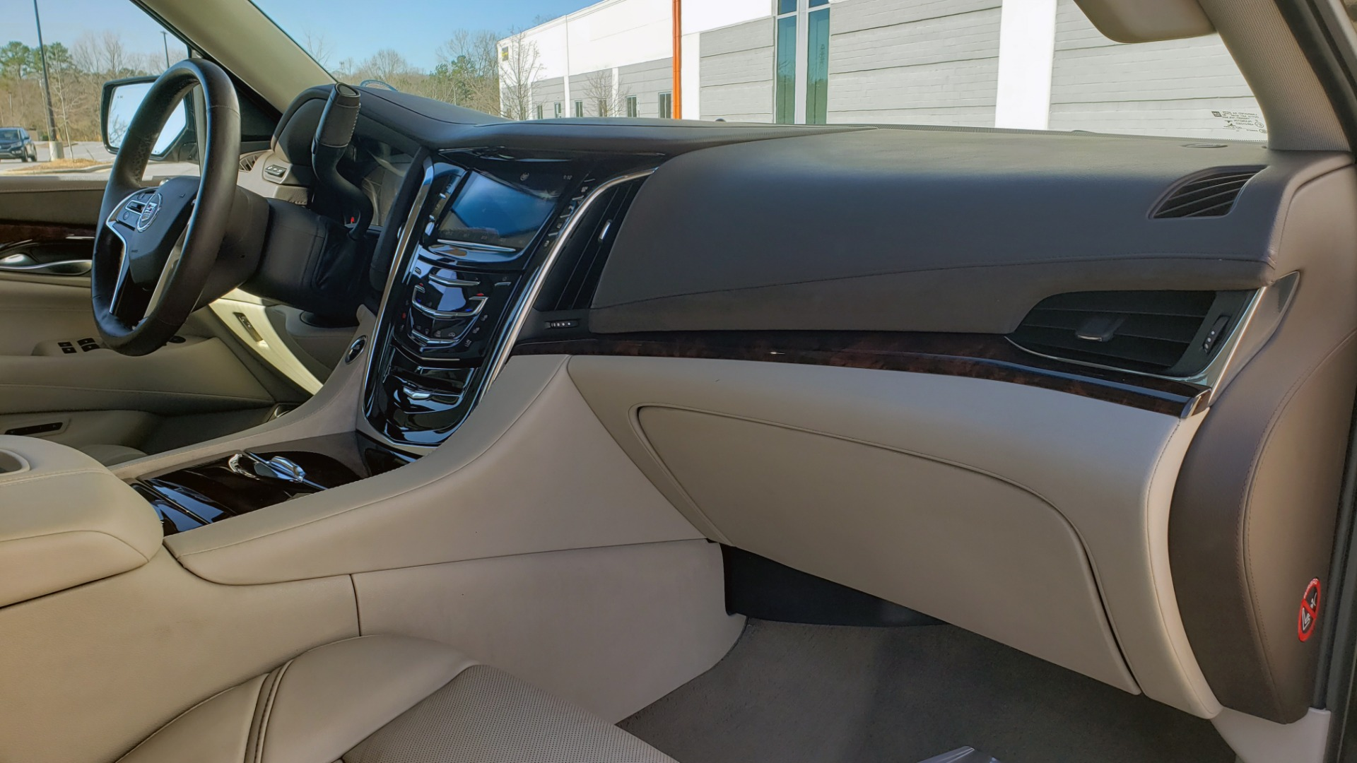 Used 2015 Cadillac ESCALADE PREMIUM 4WD / NAV / SUNROOF / REARVIEW / 3-ROW for sale Sold at Formula Imports in Charlotte NC 28227 76