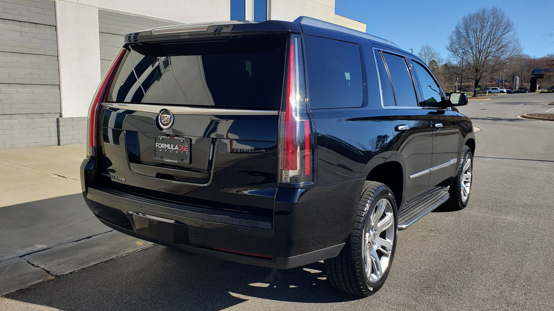 Used 2015 Cadillac ESCALADE PREMIUM 4WD / NAV / SUNROOF / REARVIEW / 3-ROW for sale Sold at Formula Imports in Charlotte NC 28227 8