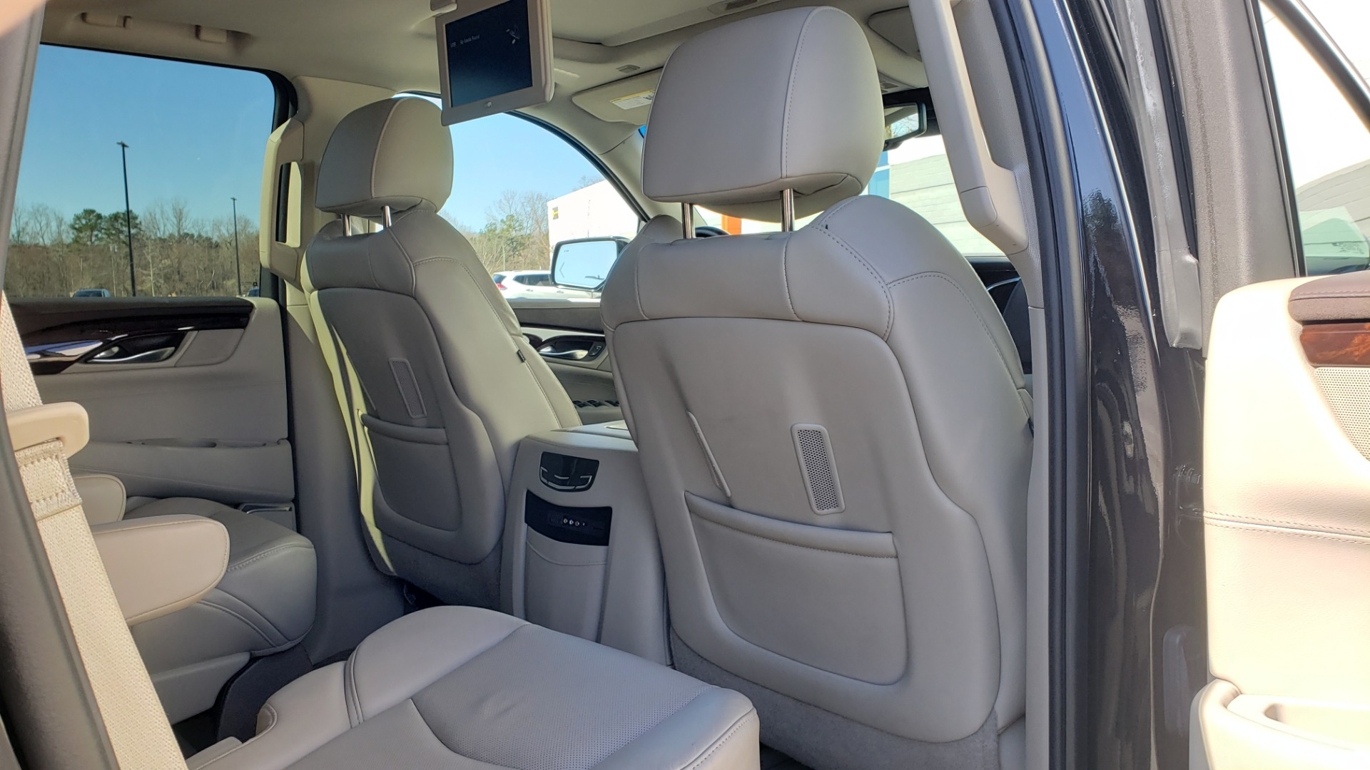 Used 2015 Cadillac ESCALADE PREMIUM 4WD / NAV / SUNROOF / REARVIEW / 3-ROW for sale Sold at Formula Imports in Charlotte NC 28227 81