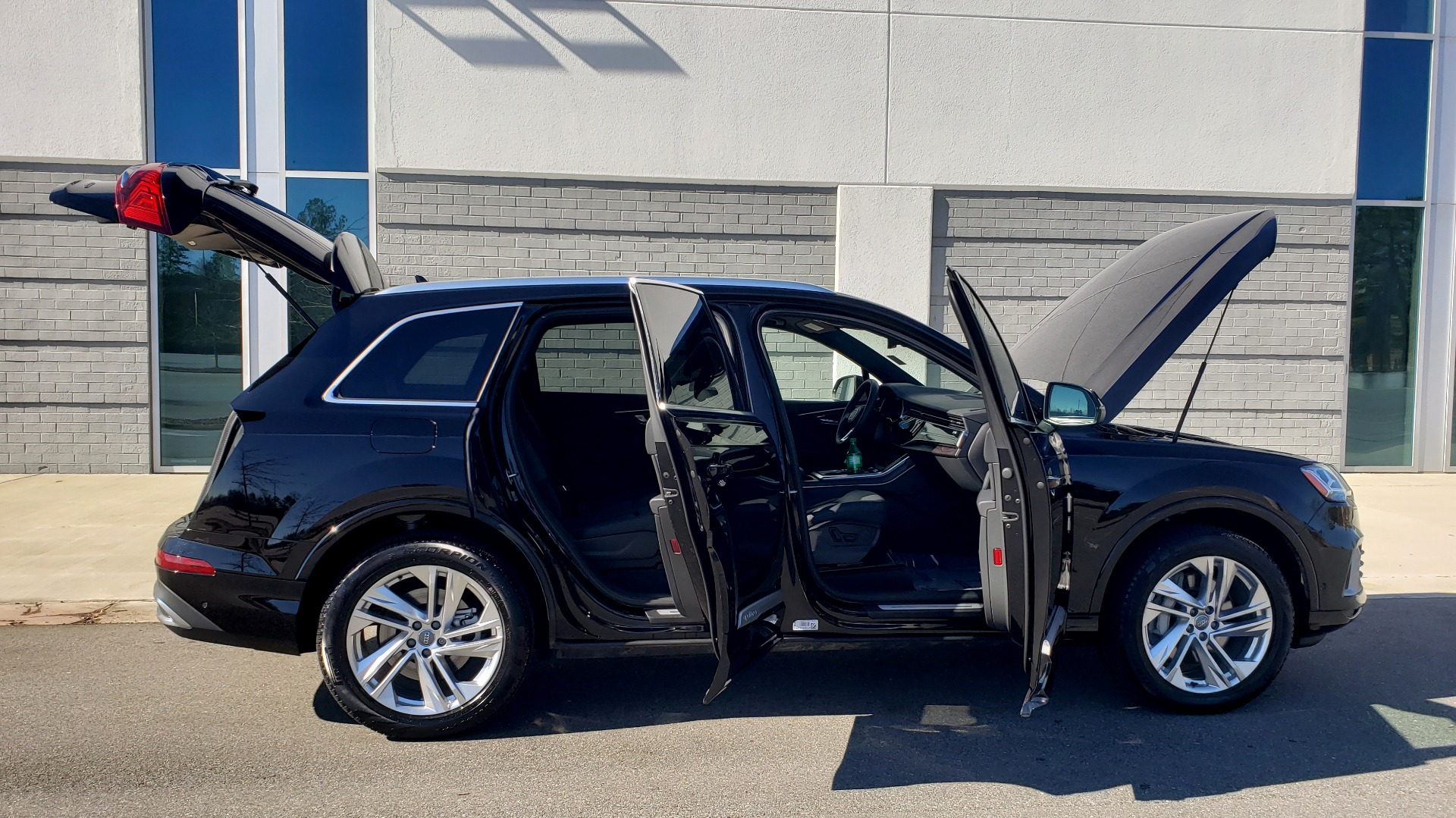 Used 2020 Audi Q7 PREMIUM PLUS / NAV / SUNROOF / 3-ROW / REARVIEW for sale $50,695 at Formula Imports in Charlotte NC 28227 11