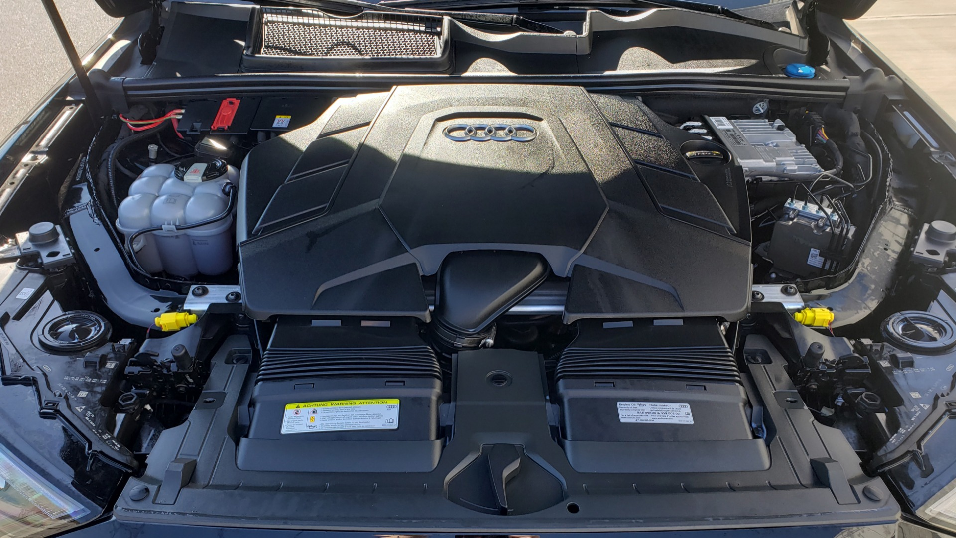 Used 2020 Audi Q7 PREMIUM PLUS / NAV / SUNROOF / 3-ROW / REARVIEW for sale Sold at Formula Imports in Charlotte NC 28227 12