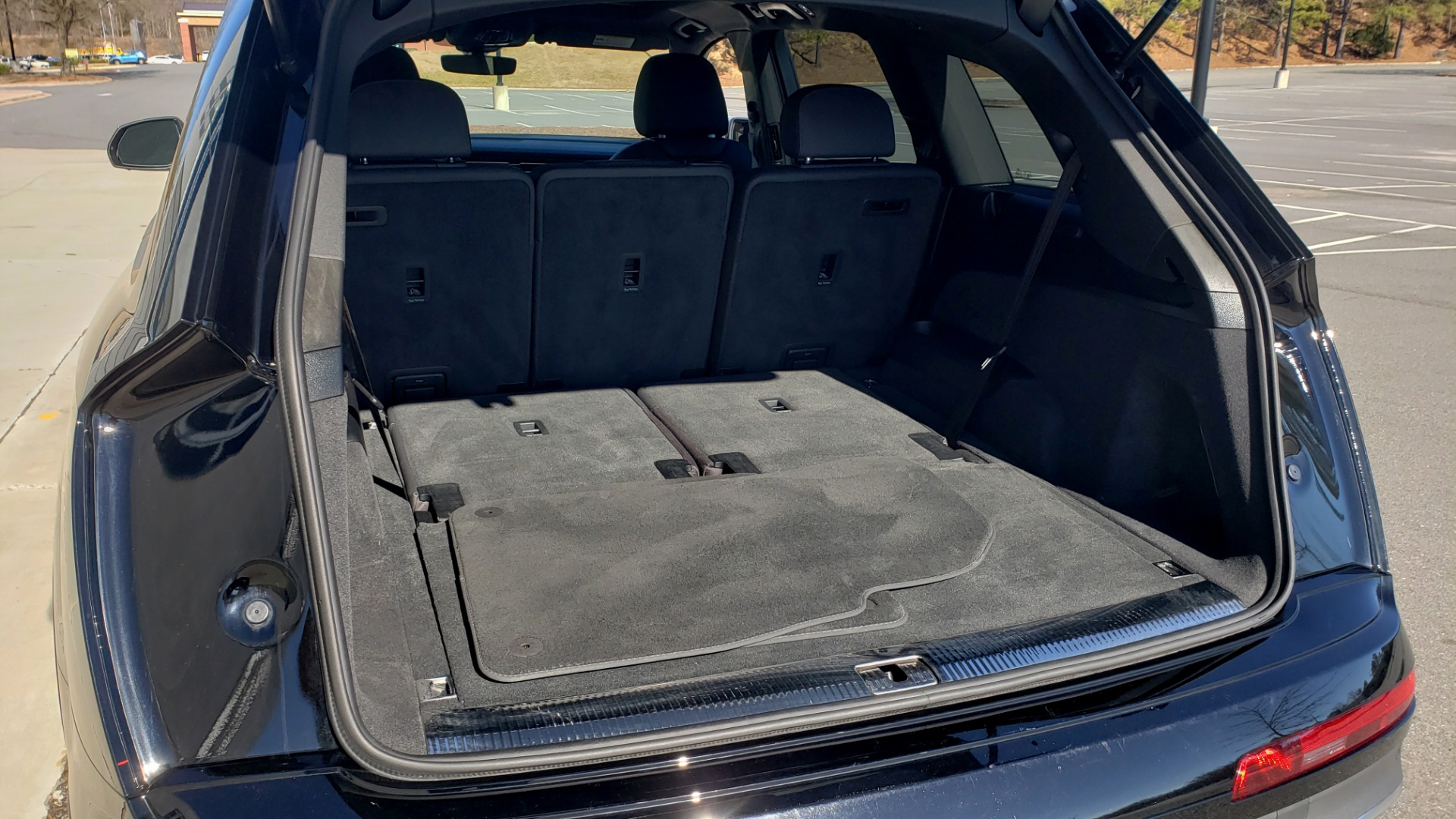 Used 2020 Audi Q7 PREMIUM PLUS / NAV / SUNROOF / 3-ROW / REARVIEW for sale $50,695 at Formula Imports in Charlotte NC 28227 14