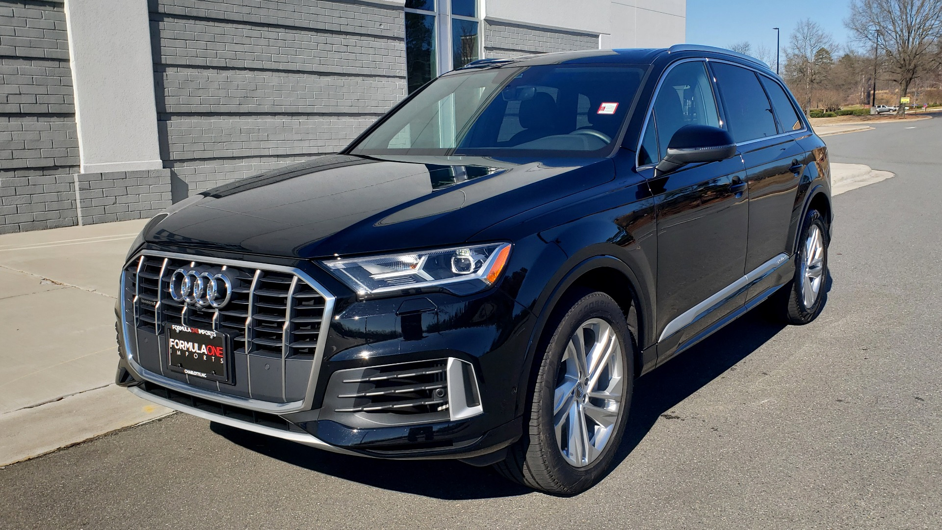 Used 2020 Audi Q7 PREMIUM PLUS / NAV / SUNROOF / 3-ROW / REARVIEW for sale $50,695 at Formula Imports in Charlotte NC 28227 2