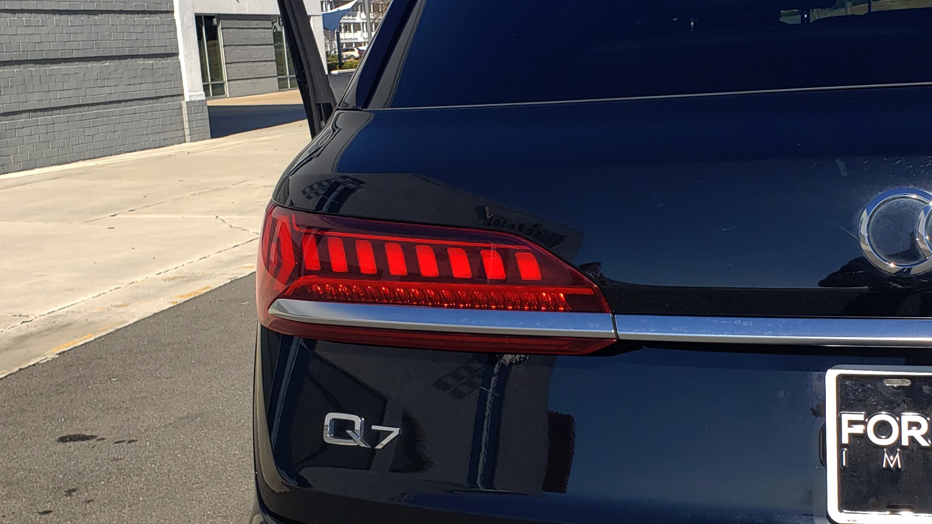 Used 2020 Audi Q7 PREMIUM PLUS / NAV / SUNROOF / 3-ROW / REARVIEW for sale Sold at Formula Imports in Charlotte NC 28227 20