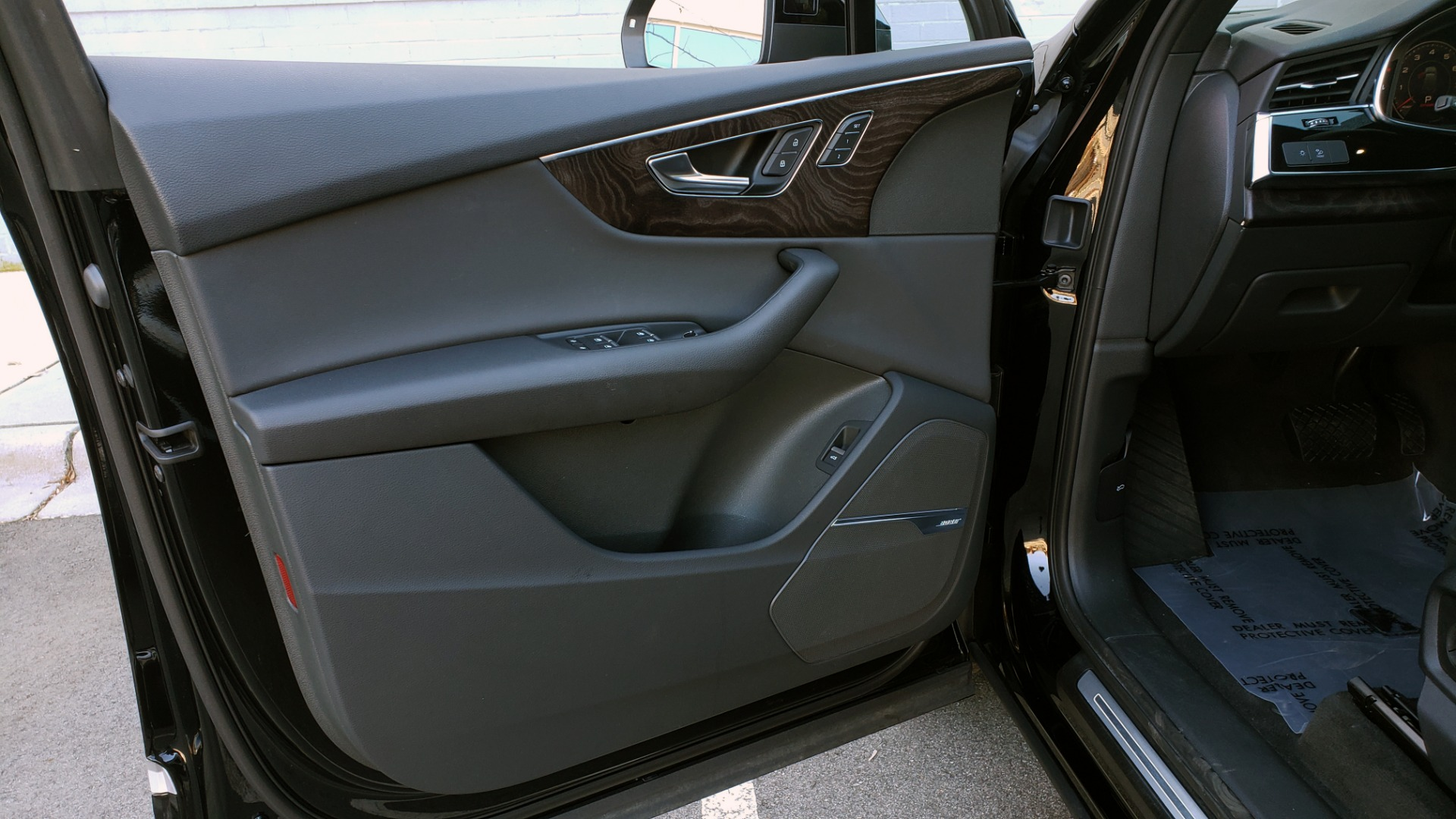 Used 2020 Audi Q7 PREMIUM PLUS / NAV / SUNROOF / 3-ROW / REARVIEW for sale $50,695 at Formula Imports in Charlotte NC 28227 33