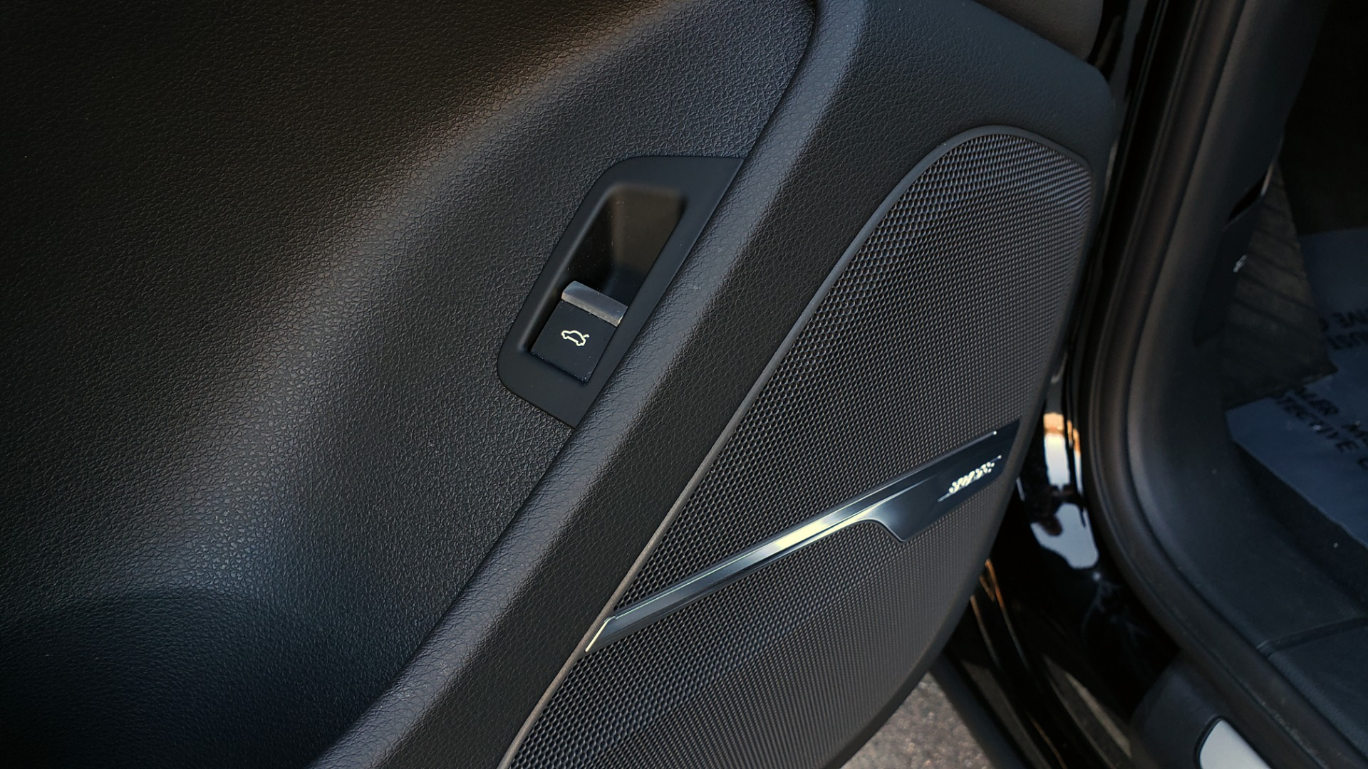 Used 2020 Audi Q7 PREMIUM PLUS / NAV / SUNROOF / 3-ROW / REARVIEW for sale $50,695 at Formula Imports in Charlotte NC 28227 35