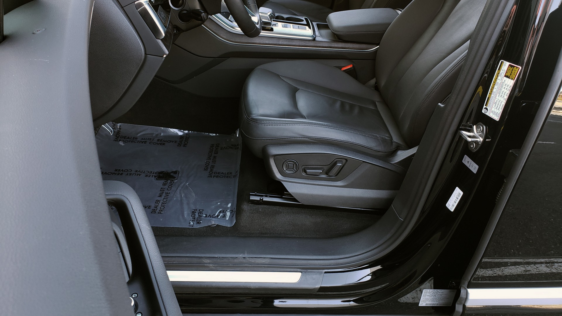 Used 2020 Audi Q7 PREMIUM PLUS / NAV / SUNROOF / 3-ROW / REARVIEW for sale Sold at Formula Imports in Charlotte NC 28227 37