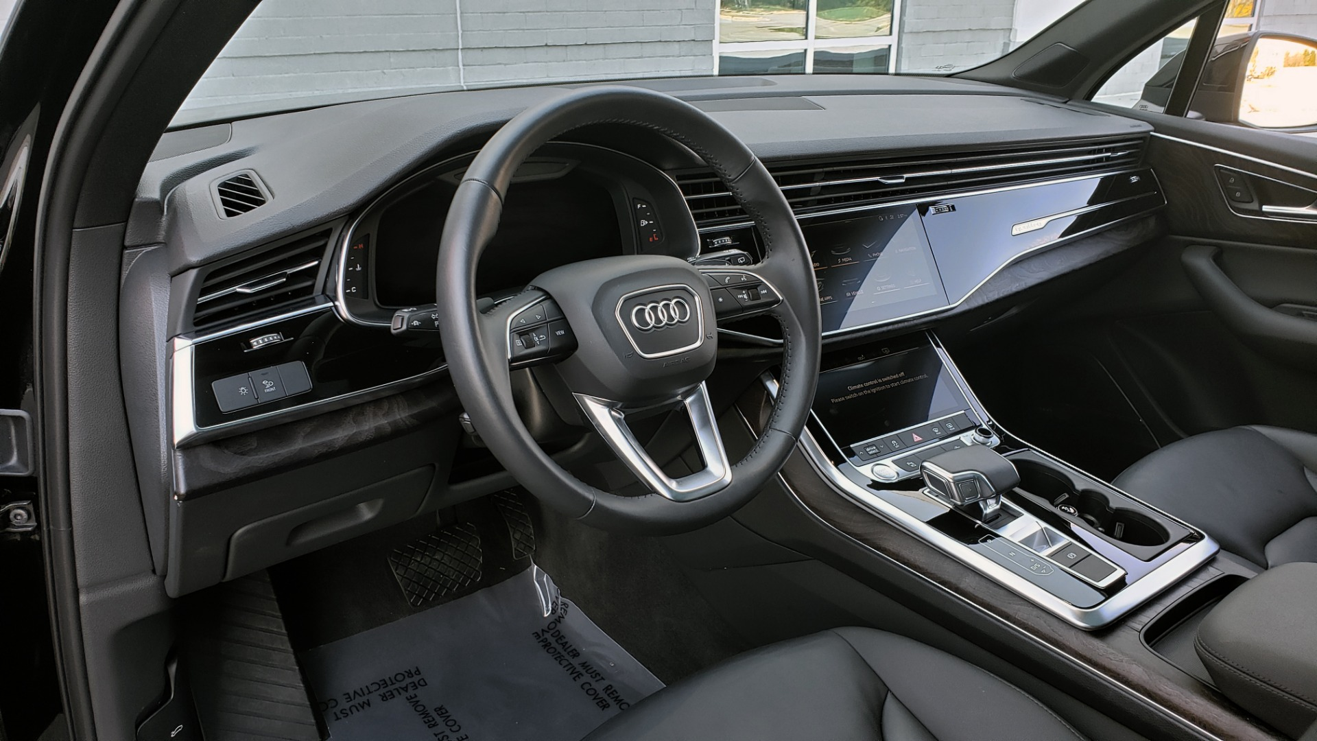 Used 2020 Audi Q7 PREMIUM PLUS / NAV / SUNROOF / 3-ROW / REARVIEW for sale $50,695 at Formula Imports in Charlotte NC 28227 39