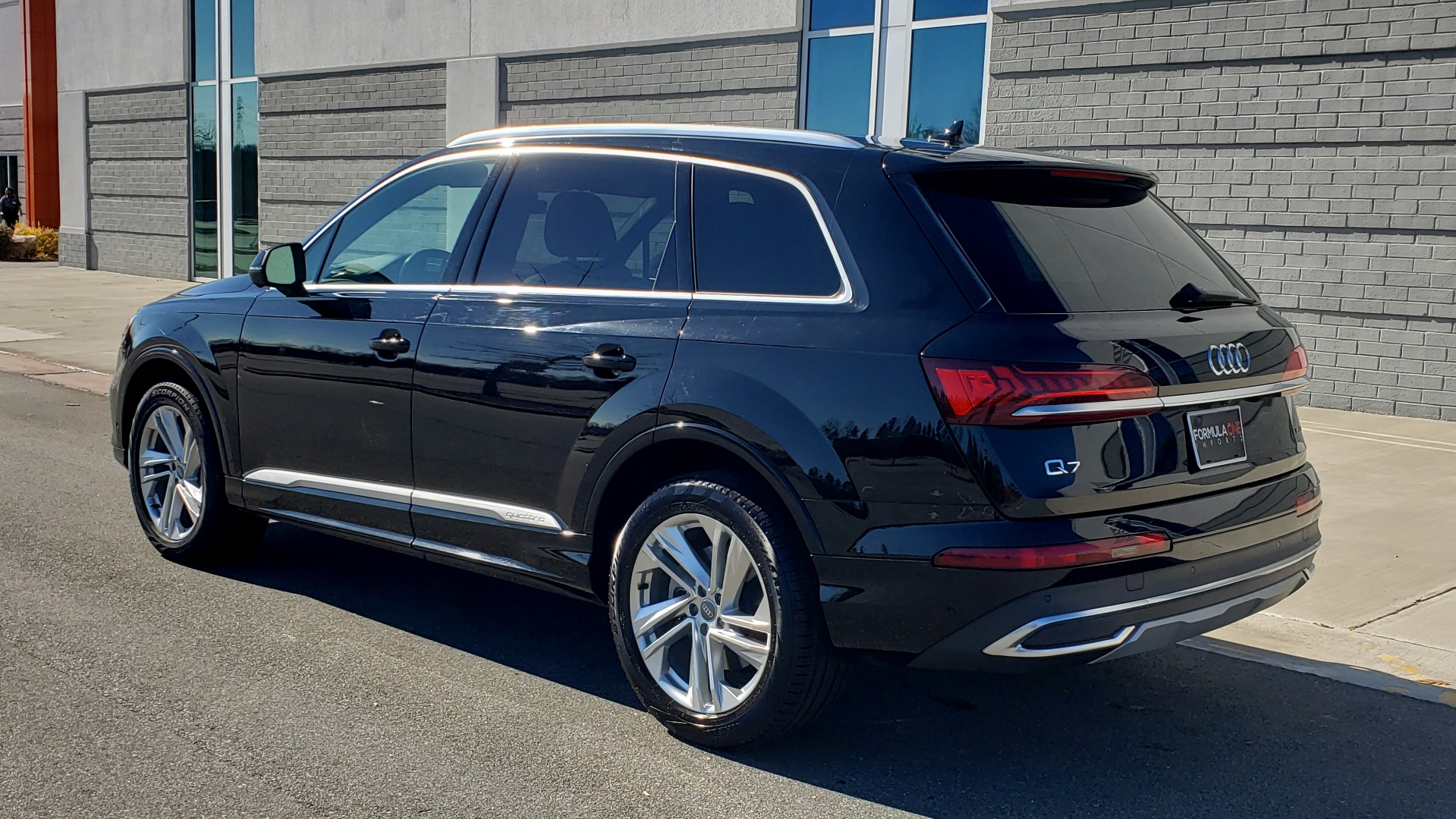Used 2020 Audi Q7 PREMIUM PLUS / NAV / SUNROOF / 3-ROW / REARVIEW for sale Sold at Formula Imports in Charlotte NC 28227 5