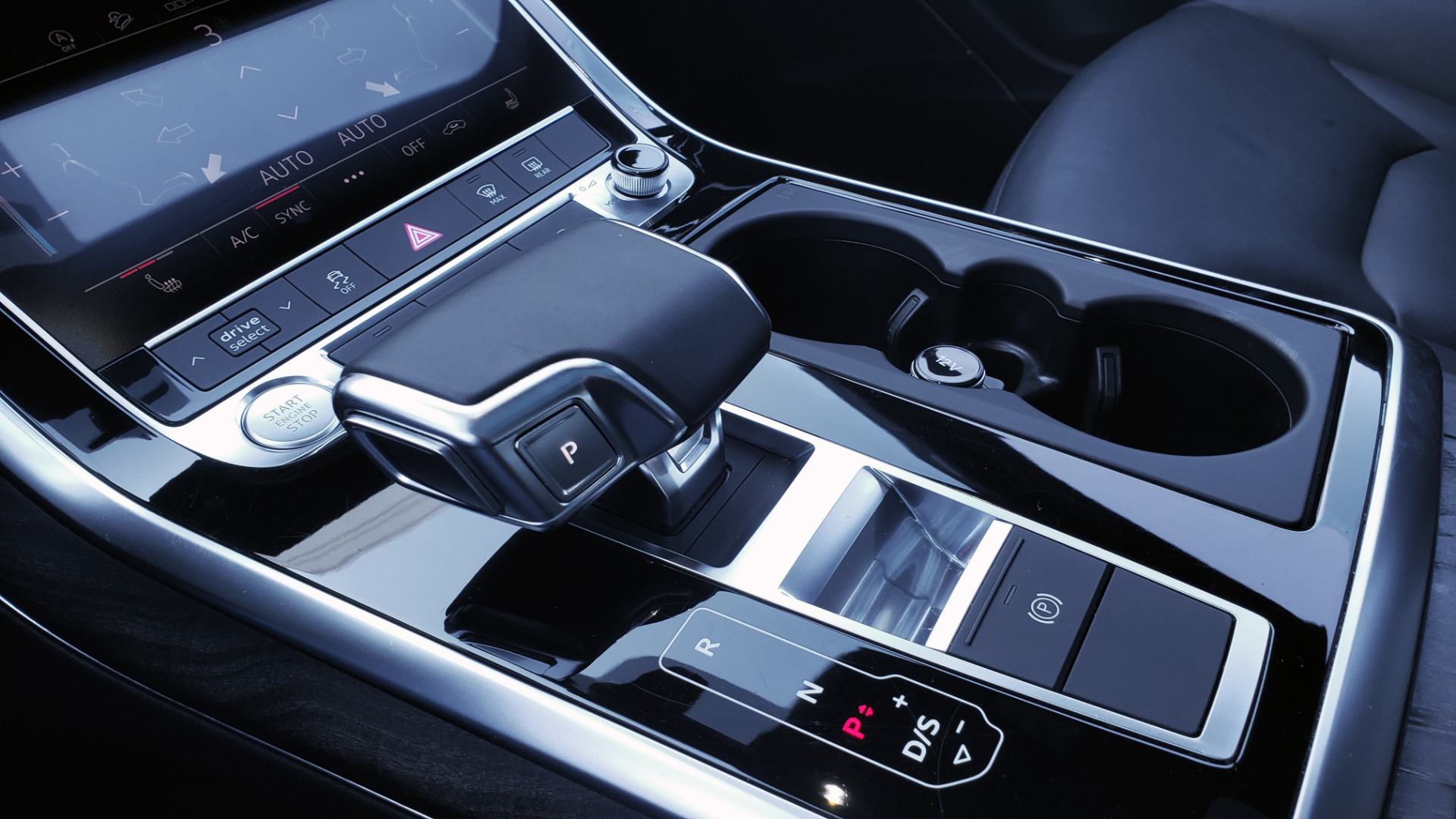 Used 2020 Audi Q7 PREMIUM PLUS / NAV / SUNROOF / 3-ROW / REARVIEW for sale Sold at Formula Imports in Charlotte NC 28227 52