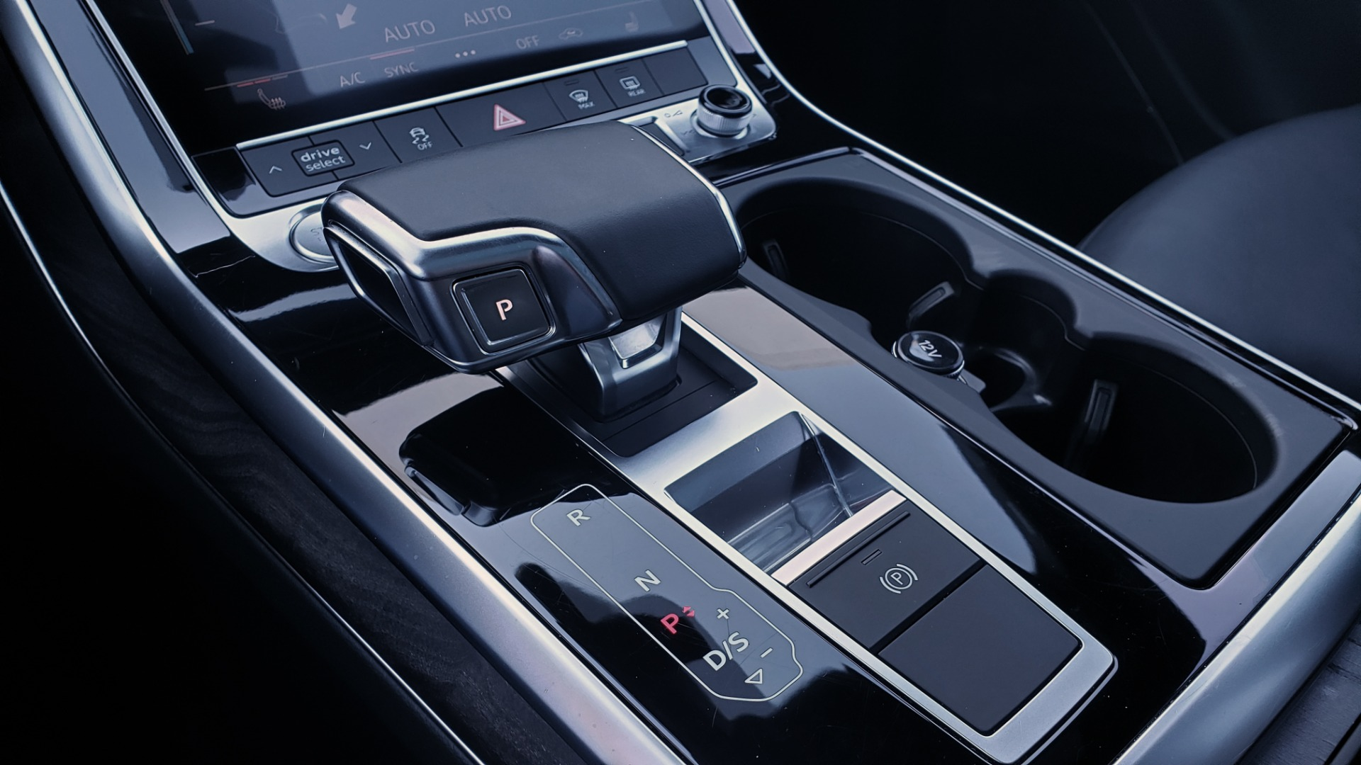 Used 2020 Audi Q7 PREMIUM PLUS / NAV / SUNROOF / 3-ROW / REARVIEW for sale $50,695 at Formula Imports in Charlotte NC 28227 54