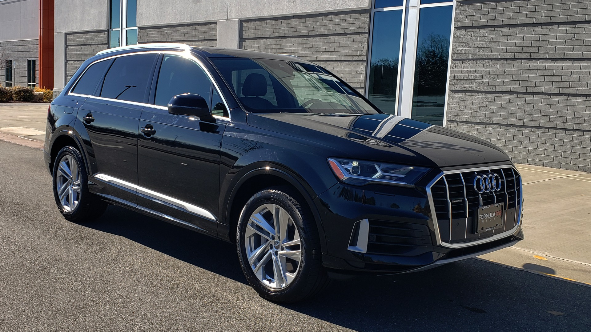 Used 2020 Audi Q7 PREMIUM PLUS / NAV / SUNROOF / 3-ROW / REARVIEW for sale Sold at Formula Imports in Charlotte NC 28227 6