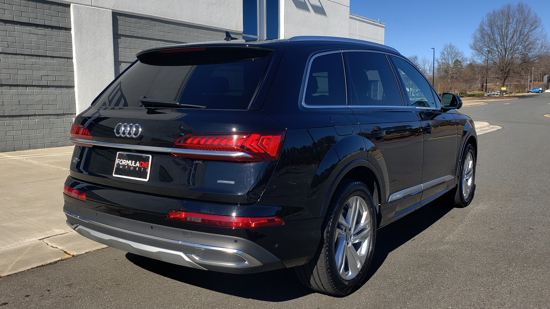 Used 2020 Audi Q7 PREMIUM PLUS / NAV / SUNROOF / 3-ROW / REARVIEW for sale Sold at Formula Imports in Charlotte NC 28227 7