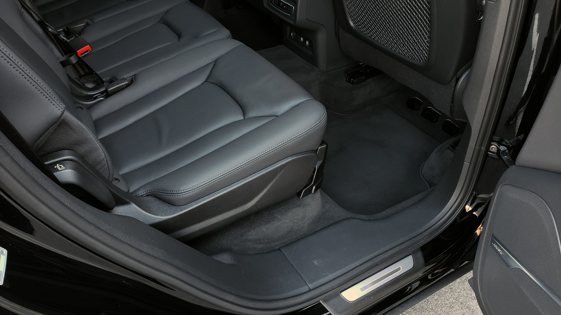 Used 2020 Audi Q7 PREMIUM PLUS / NAV / SUNROOF / 3-ROW / REARVIEW for sale $50,695 at Formula Imports in Charlotte NC 28227 79
