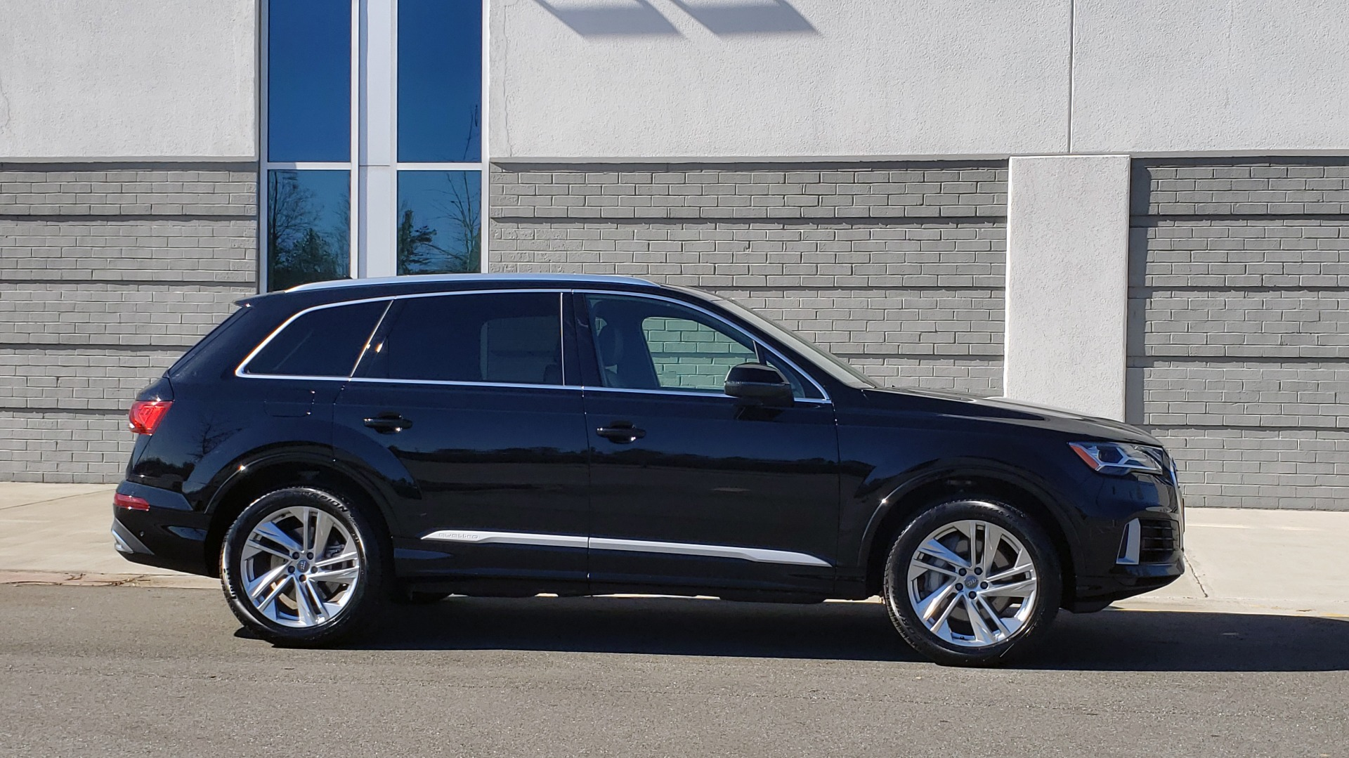 Used 2020 Audi Q7 PREMIUM PLUS / NAV / SUNROOF / 3-ROW / REARVIEW for sale Sold at Formula Imports in Charlotte NC 28227 8