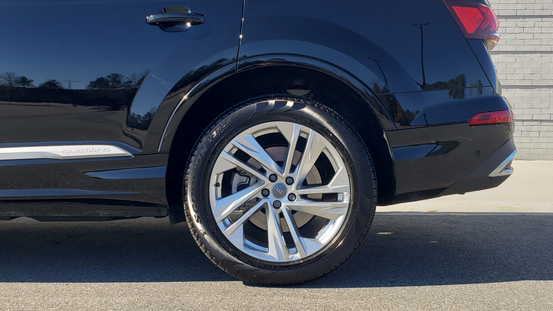 Used 2020 Audi Q7 PREMIUM PLUS / NAV / SUNROOF / 3-ROW / REARVIEW for sale $50,695 at Formula Imports in Charlotte NC 28227 87