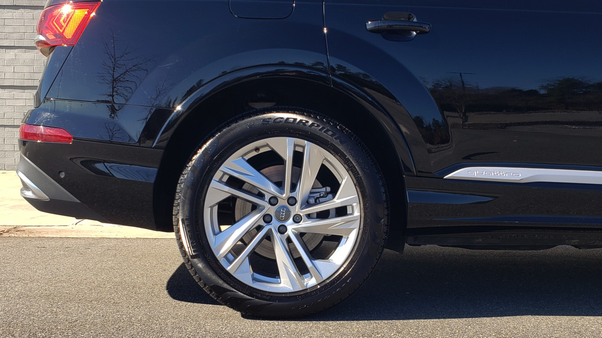 Used 2020 Audi Q7 PREMIUM PLUS / NAV / SUNROOF / 3-ROW / REARVIEW for sale Sold at Formula Imports in Charlotte NC 28227 88
