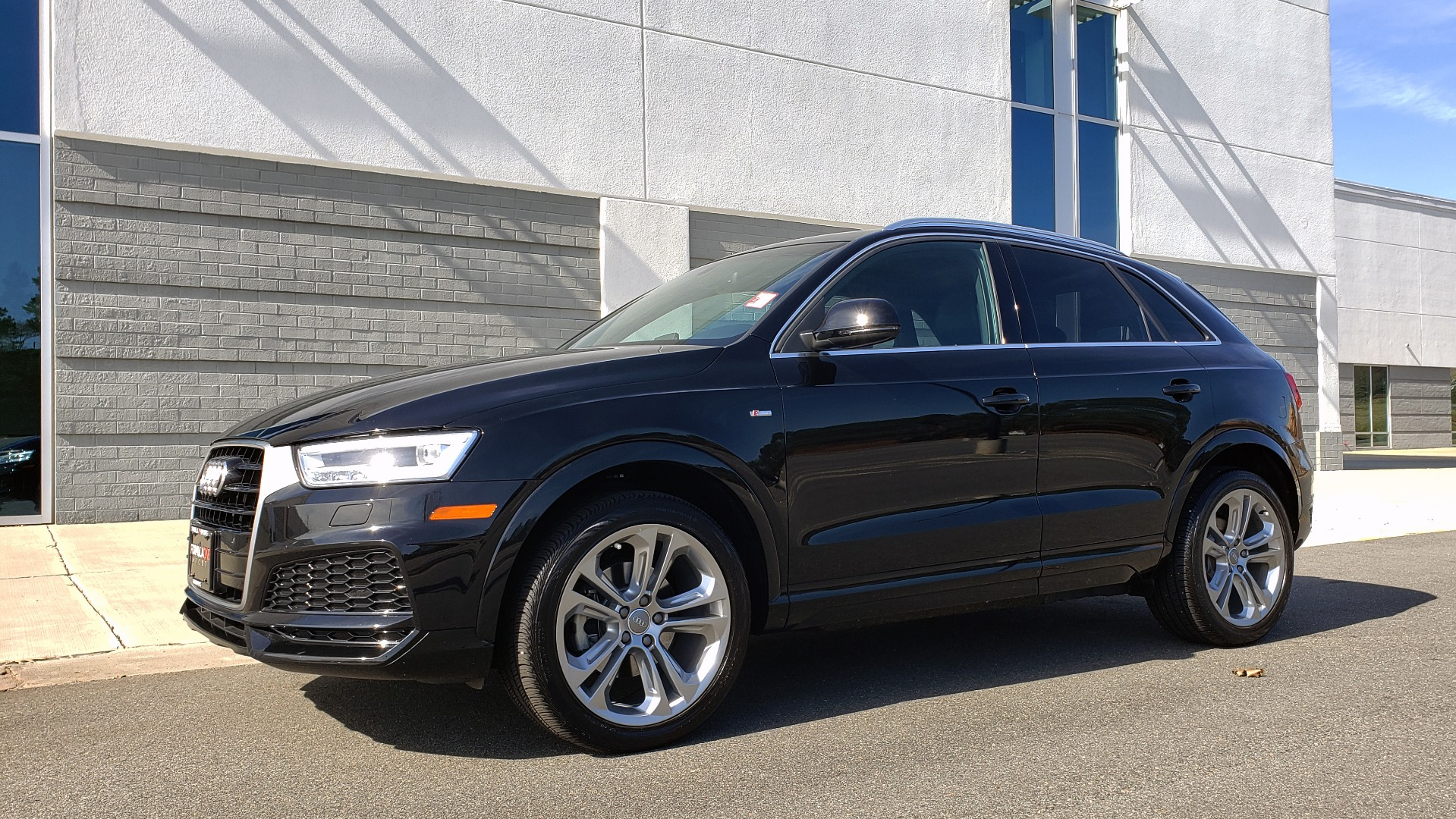Used 2018 Audi Q3 SPORT PREMIUM PLUS / TECHNOLOGY / SUNROOF / BOSE / REARVIEW for sale Sold at Formula Imports in Charlotte NC 28227 2