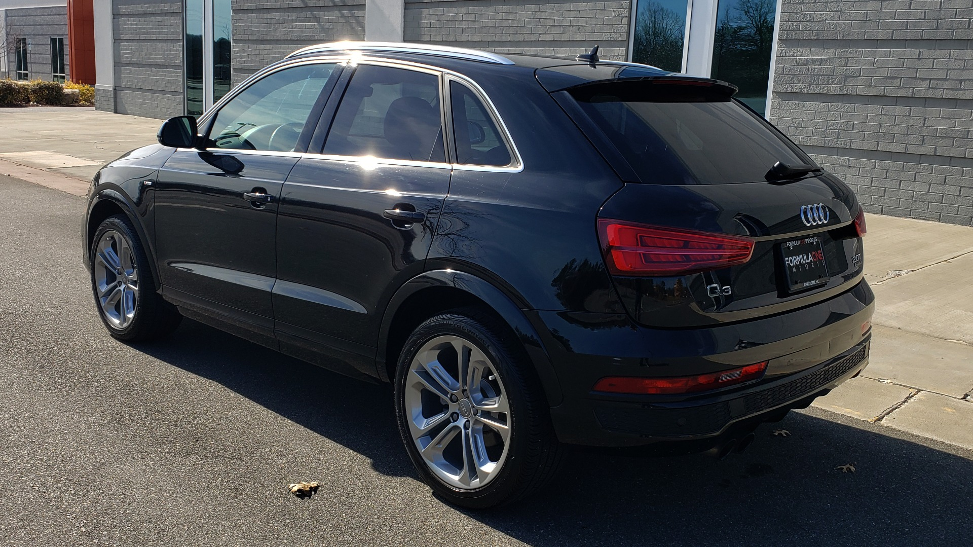 Used 2018 Audi Q3 SPORT PREMIUM PLUS / TECHNOLOGY / SUNROOF / BOSE / REARVIEW for sale Sold at Formula Imports in Charlotte NC 28227 4
